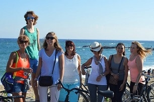 Our students learning Spanish and enjoying their bicicle trip!