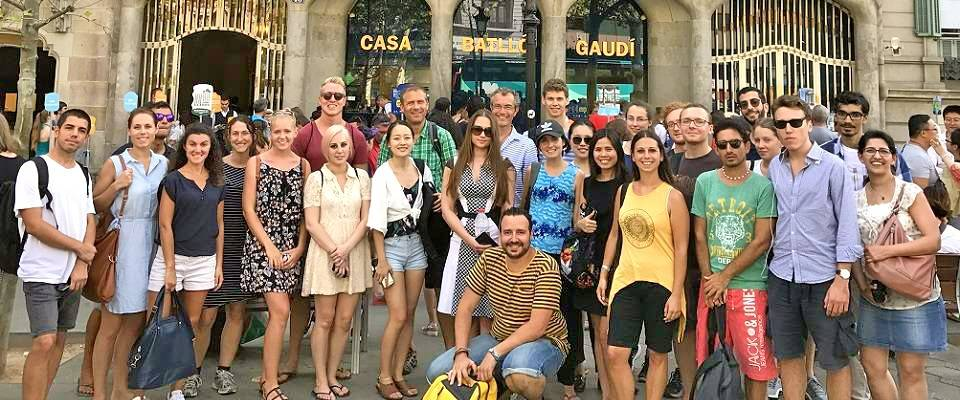 Learning Spanish through cultural activities - Modernist Tour in Barcelona with your teacher